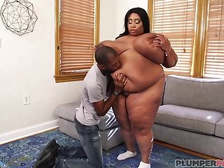 Black dude worships BBW foetus - hot porn sheet