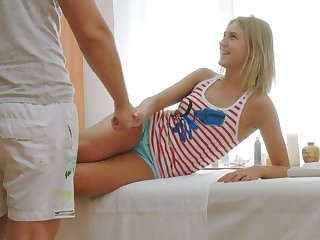 Cute Comme ci Russian Teen Fucked To Orgasm By Massage Lad