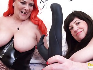 OldNannY Duo British Grown-up Lesbians Together