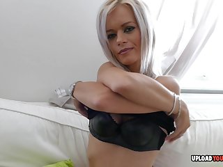 Sweet aunt shows wanting her parsimonious wet pussy