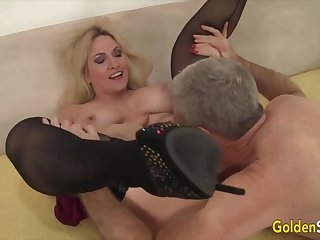 Palmy Slut - Older Beauties Licked and Fingered Compilation